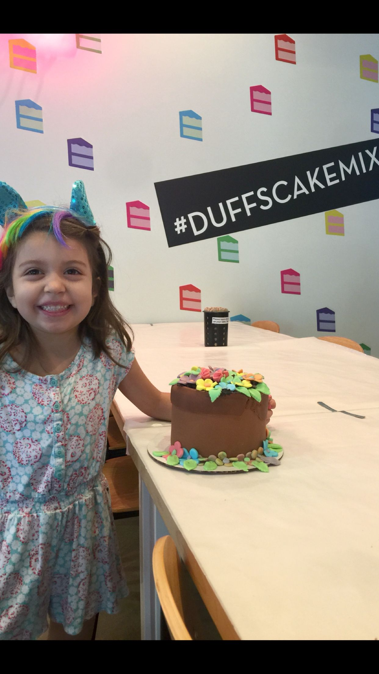 Cake decorating class at Duff's cake mix in Pasadena (With ...
