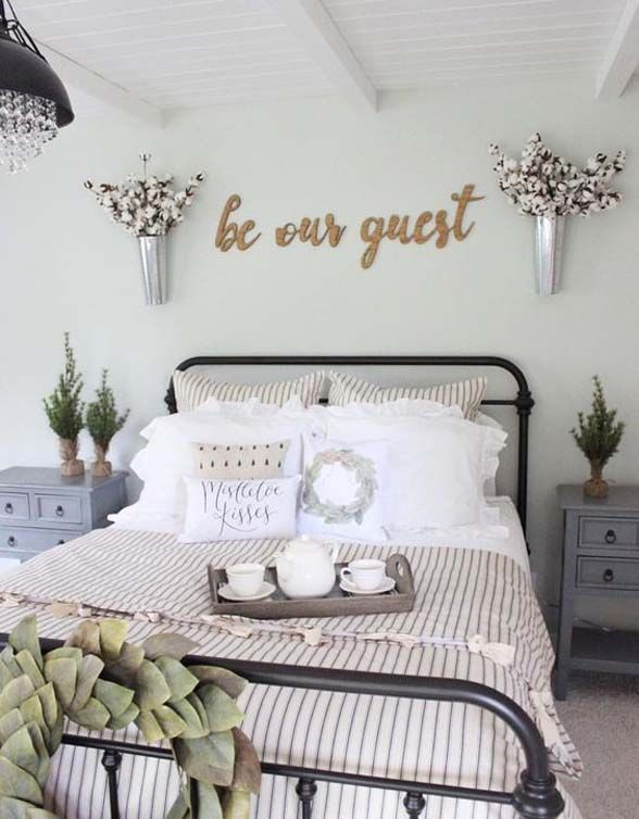 Farmhouse guest bedroom with rod iron bed Rod iron beds, Iron and