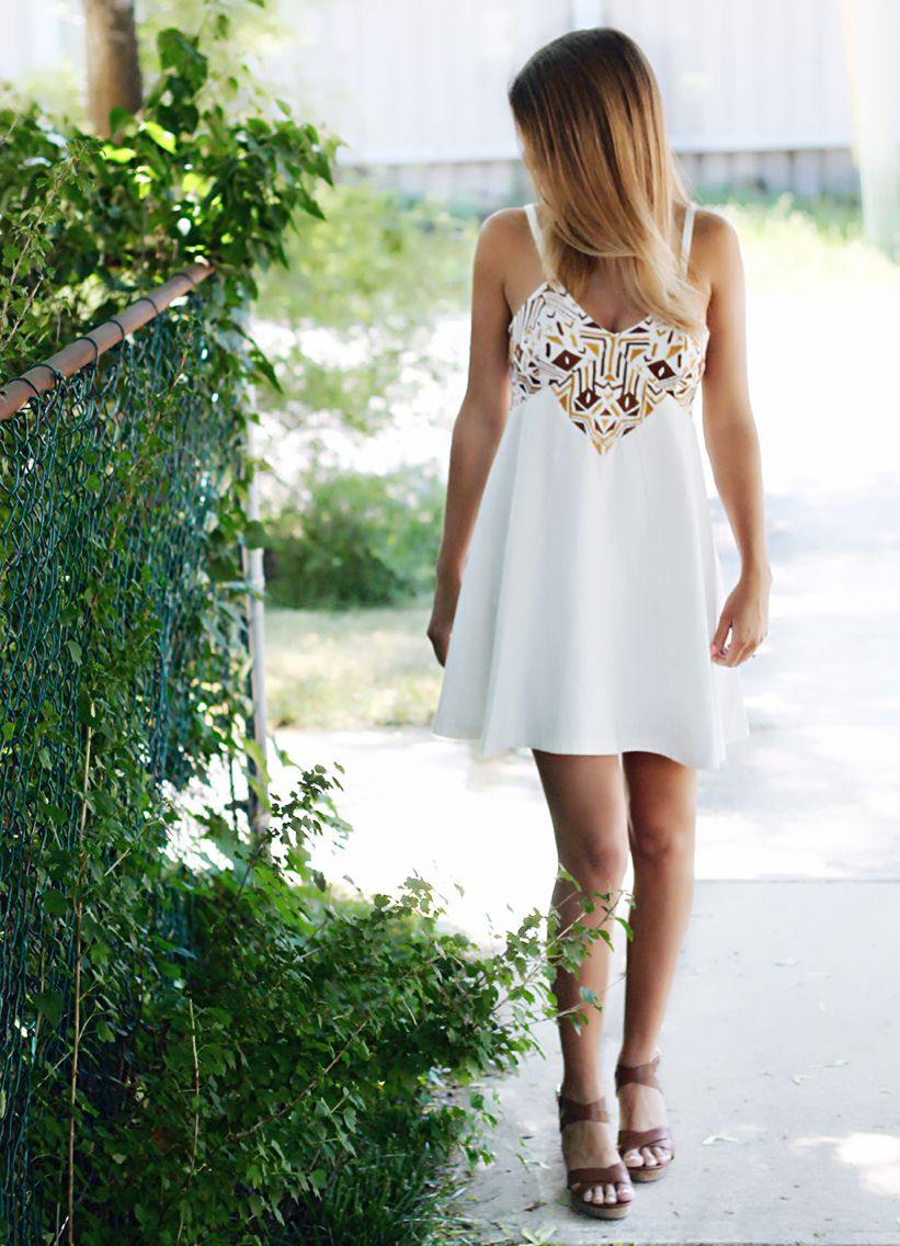 Summer Time Graduation Dress Dresses Fashion [ 1136 x 821 Pixel ]