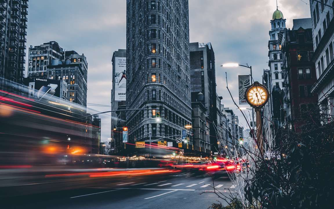 Download Wallpaper 3840x2400 Building Architecture Long Exposure Street Movement 4k Ultra Hd 16 10 Hd In 2020 City Wallpaper Manhattan Landmarks Flatiron Building