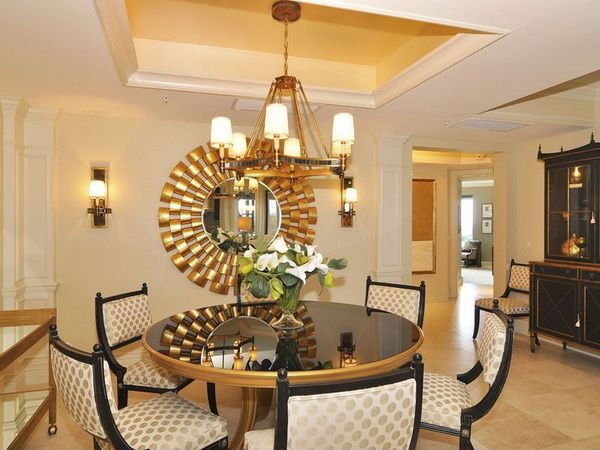 Contemporary dining room decorating ideas with luxurious for Dining room mirror ideas