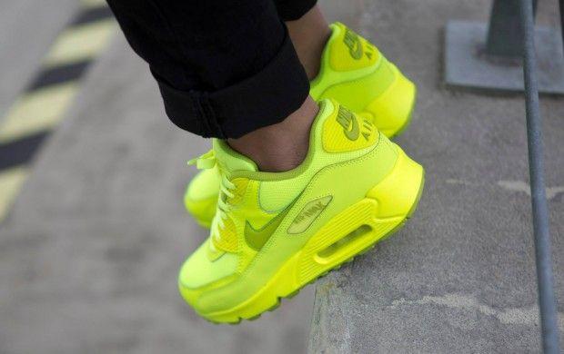 Nike Air Max 90 « Color Pack »   À Voir