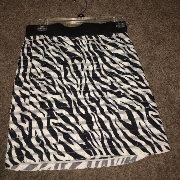 Zebra skirt In perfect condition wore one time🚫No Trades💥Price is firm WINDSOR Skirts Mini