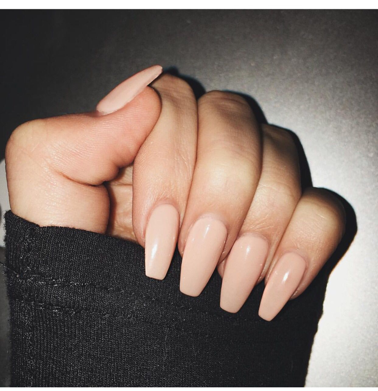Nude coffin nails | Nail ideas | Pinterest | Nageldesign ...