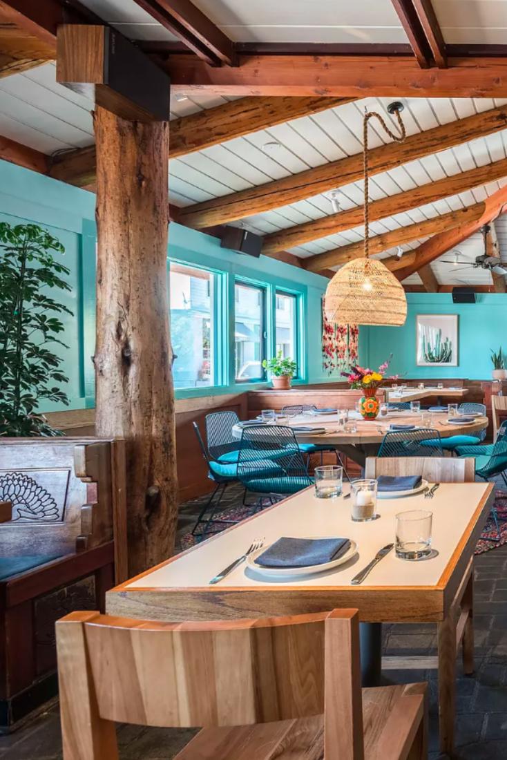 Tallula S Rides The Perfect Summertime Wave Into Santa Monica Rustic Canyon Rustic Restaurant Interior Rustic Restaurant