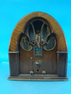 Philco Model 70 Antique Tube Radio Deco Cathedral Wood
