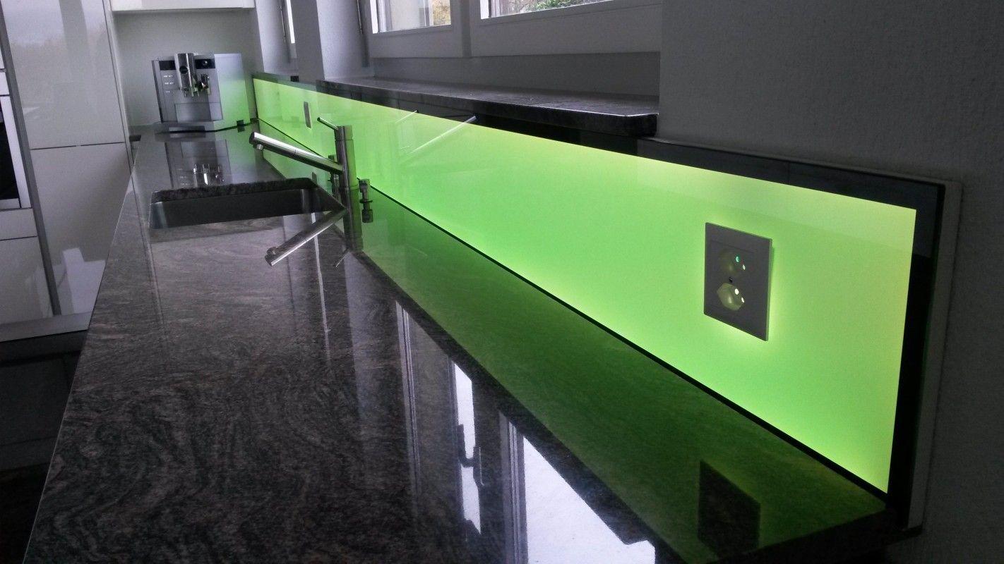 Beleuchtete Küchenrückwand ~ Küchenrückwand homogen hinterleuchtetes glas mit led küche