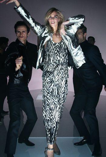 Tom Ford troca desfile por apresentação em vídeo com Lady Gaga - Vogue | Desfiles