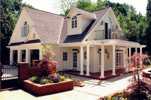 Guest house garage with balcony home pinterest guest houses balconies and house - Houses with covered balconies ...