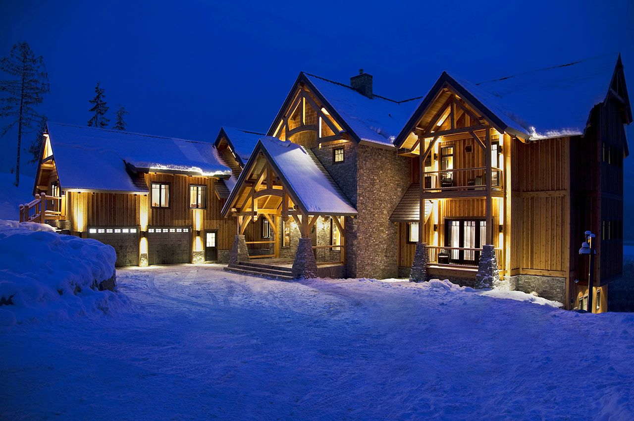 Luxury Ski Chalet Heli Skiing 5 Star Service Revelstoke Bc Canada Luxury Ski Chalet Revelstoke Hot Tub Outdoor
