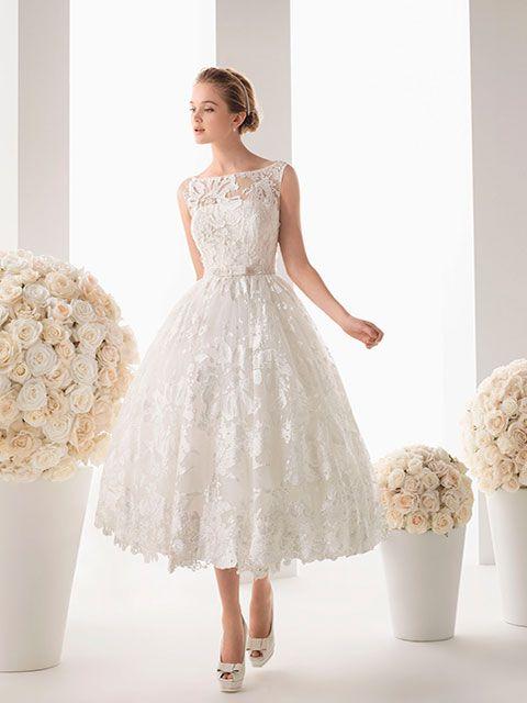 vestido de novia corto estilo ball gown escote ilusión cuello
