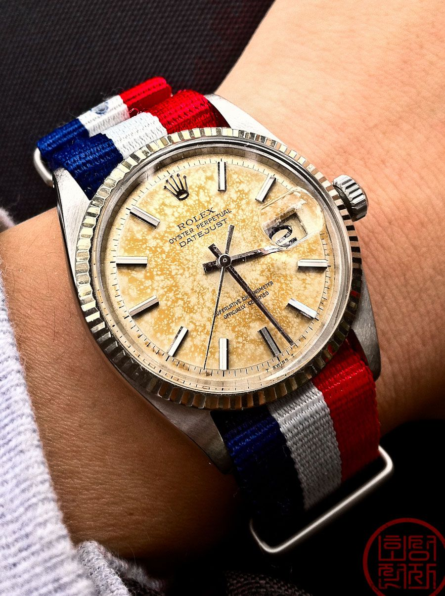 manila vibe or like features simple anyone youthful exudes gold preppy this for impossible silver dial daniel rose coconuts not mens the watches wellington against white to s every personality it crisp watch