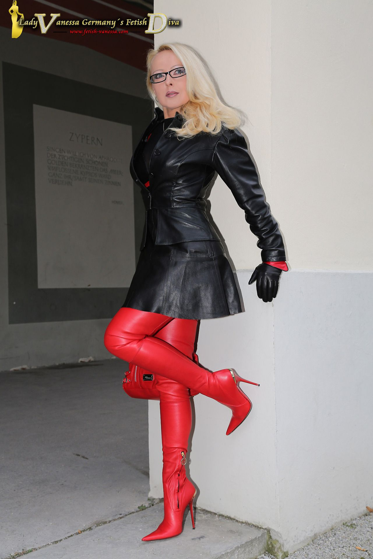 Frauen lack latex leder