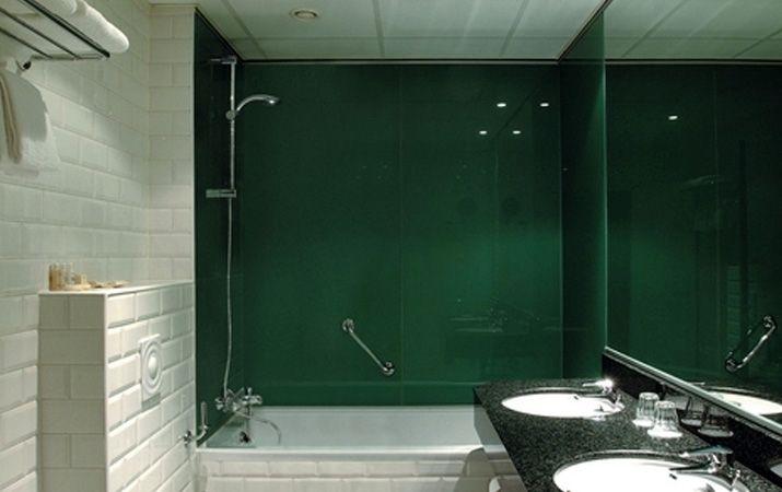 Bathroom glass splashbacks and glass cladding   Glass splashbacks ...