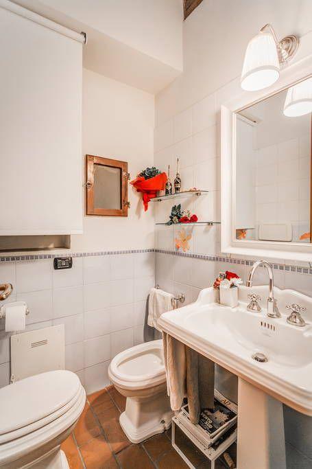 Dai un'occhiata a questo fantastico annuncio su Airbnb: BEAUTIFUL FLORENCE APARTMENT - Appartamenti in affitto a Firenze