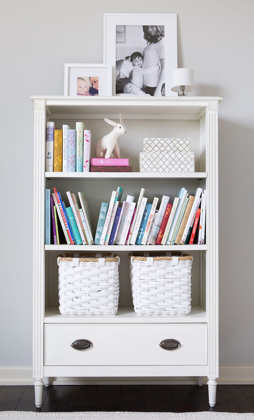 bookshelf // little girls' pink & white bedroom