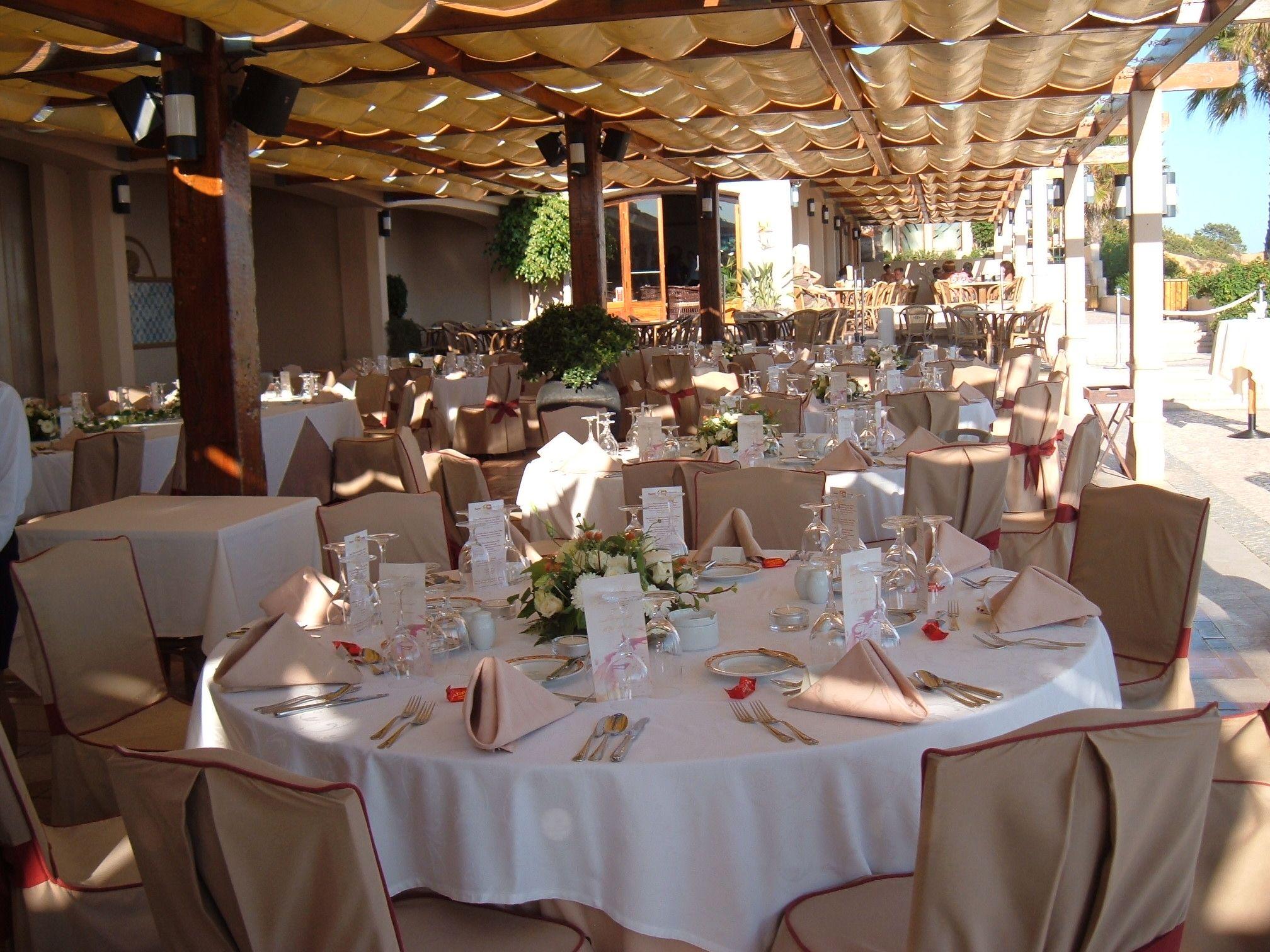 Luxury Wedding Venues: Amazing Beach Front Reception Venue By Algarve Wedding
