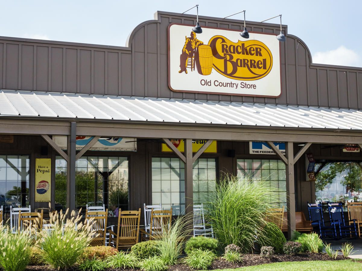 30 Restaurants That Ll Be Open For Takeout On Easter 2020 Cracker Barrel Cracker Barrel Restaurant Cracker Barrel Gift Shop