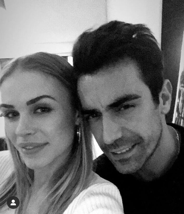 Pin By Anna Zuewa On Ibrahim çelikkol Mihre Baby Ali Family In 2020 The Handsome Family Couple Photos Family Guy
