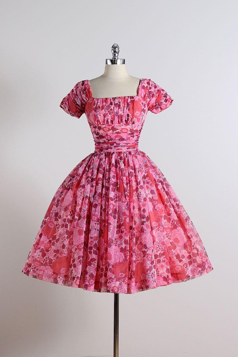 Flor de cerezo. vestido vintage de los años 1950. Vestido de ...