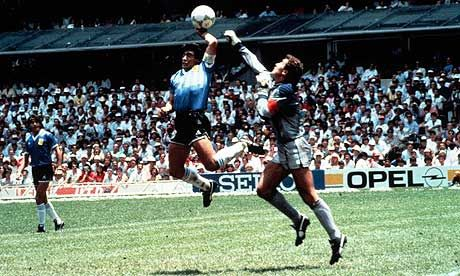 From The Vault Diego Maradona And The Hand Of God Knock Out England David Lacey Soccer Diego Maradona Sports Photos