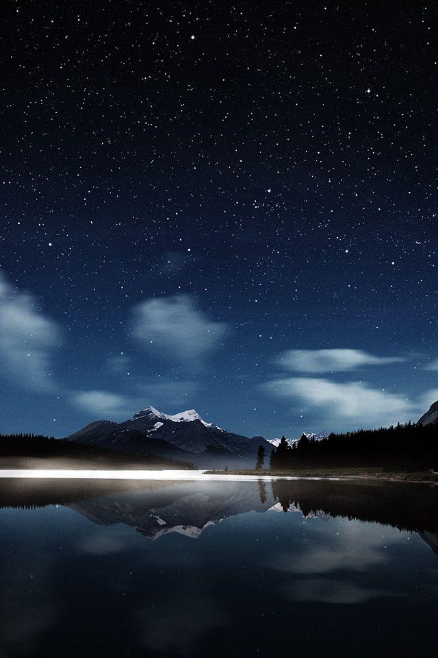 Night-lake-in-dark