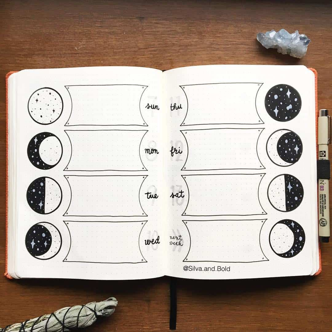 25+ Stellar Moon Phase Spreads for your bullet journal | My Inner Creative Looking to tracking something really special? Why not try these stunning Moon Phase Spreads for your bullet journal, we have 25+ for you to be inspired by! #bulletjournal #tracker #bujo #bujojunkies #moonphases #moontracker #lunartracker