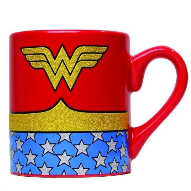 b64effceff0 ¿Eres fan de la Mujer Maravilla? Esta taza es ideal para tu café de la  mañana…