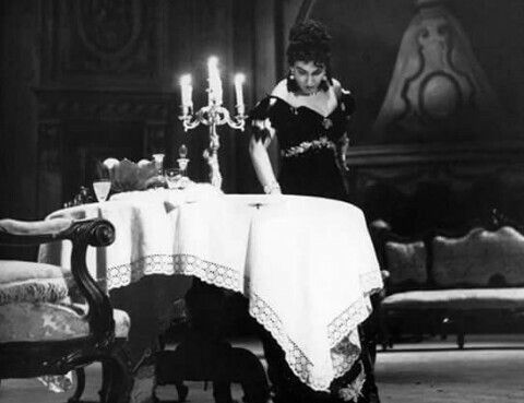 Maria Callas como Tosca no II ato. Met 1956