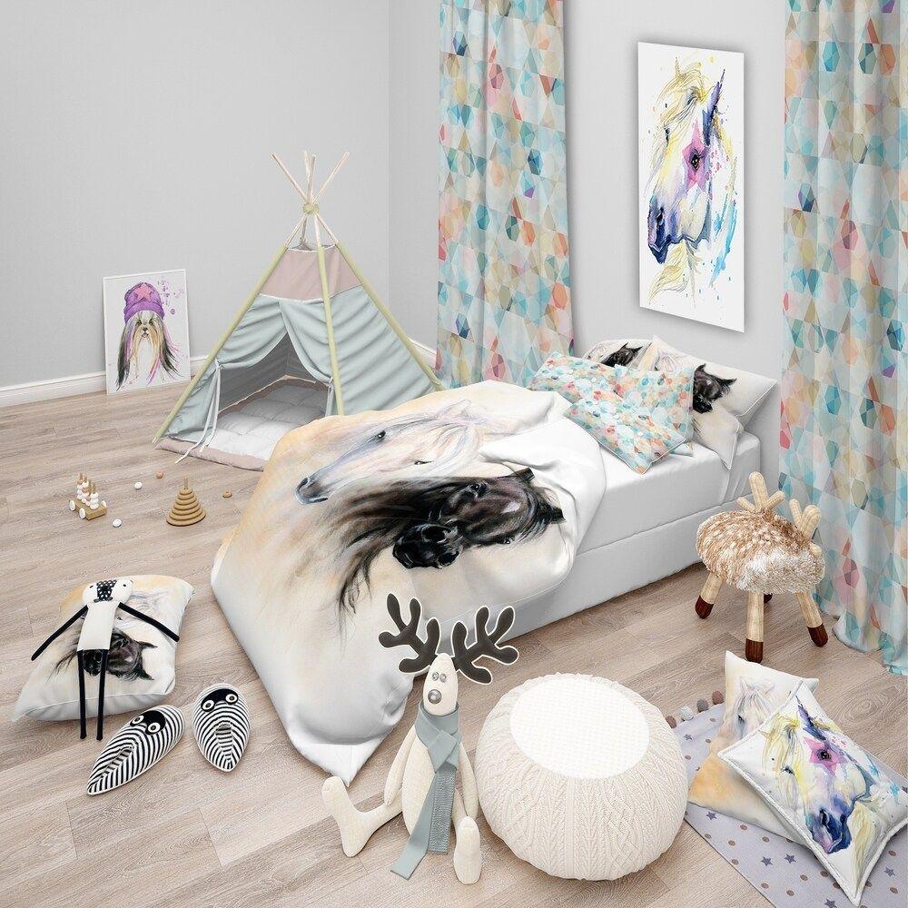 Designart 'Black and White Horse Heads' Animal Bedding Set - Duvet Cover & Shams (3 Piece - Full/Queen Cover +2 Shams (comforter not included)),