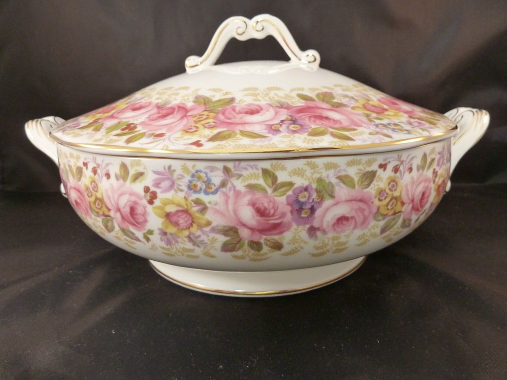 ROYAL ALBERT SERENA ROUND LIDDED COVERED VEGETABLE SERVING BOWL CASSEROLE DISH #ROYALALBERT