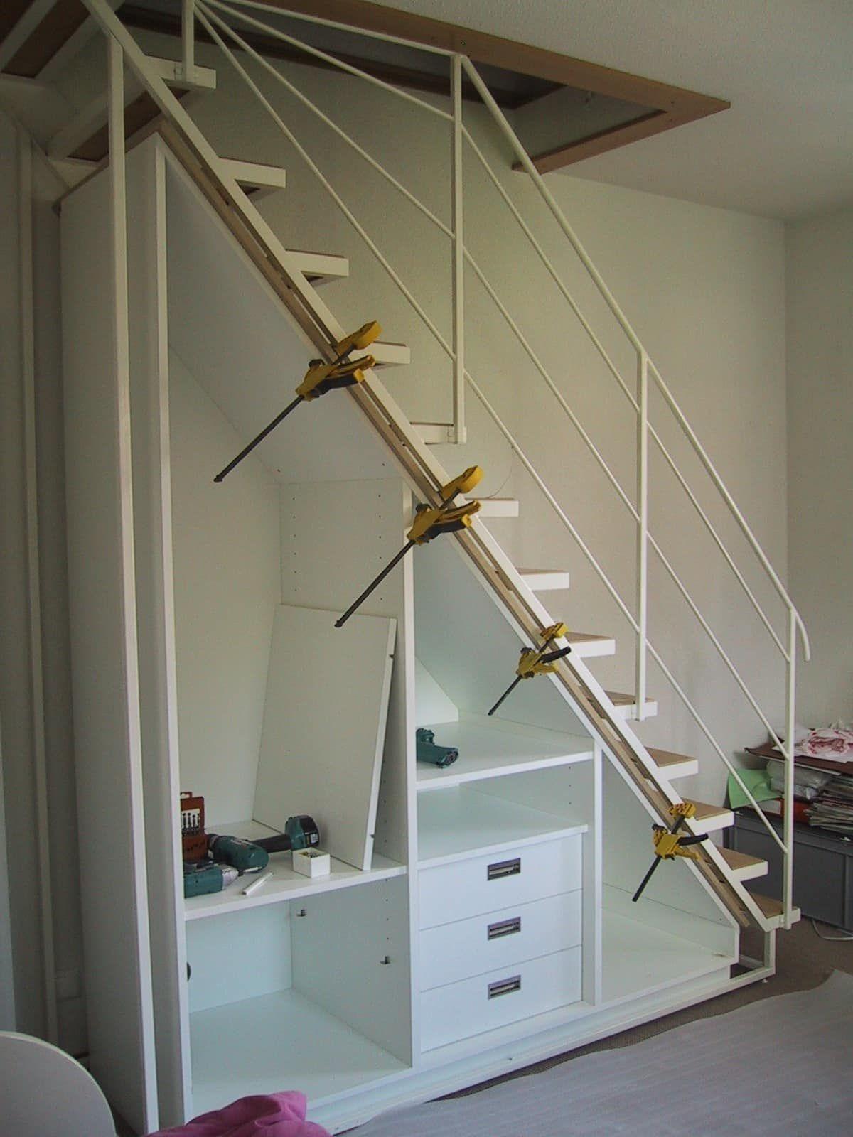 DIY Schrank unter Treppe   Schrank unter treppe, Einbauschrank treppe, Treppe