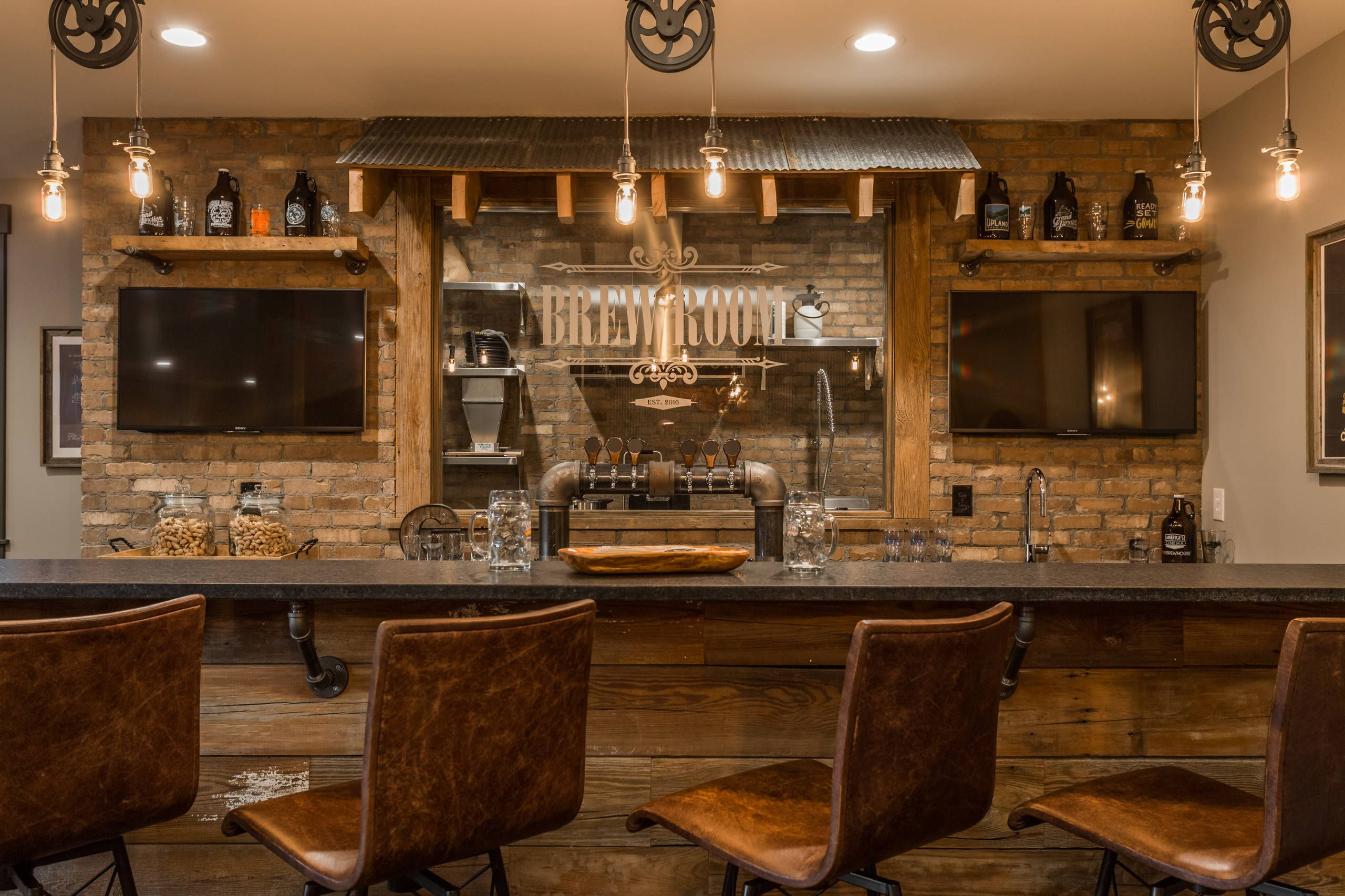 27 Perfectly Captivating Basement Design Ideas Home Awakening In 2020 Basement Bar Designs Basement Decor Basement Bar