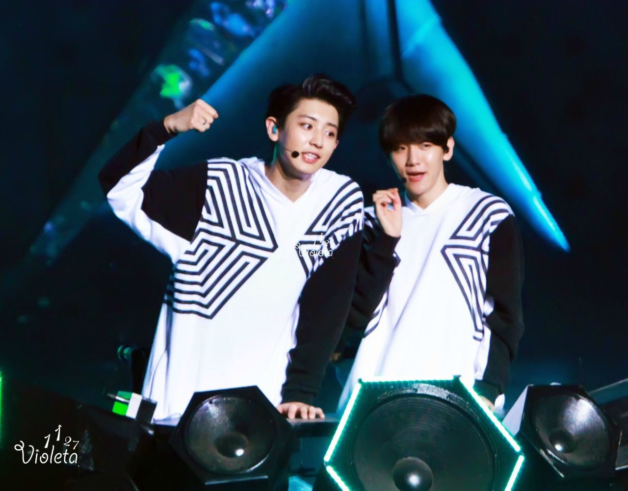 Chanyeol, Baekhyun - 140921 EXO from Exoplanet #1 - The Lost Planet in Beijing Credit: Violeta_1127.