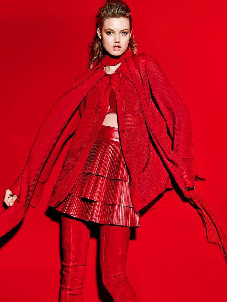 Lady in red se cobre em camadas na Vogue Turquia - Cleon Gostinski - Fonte We are so Droee