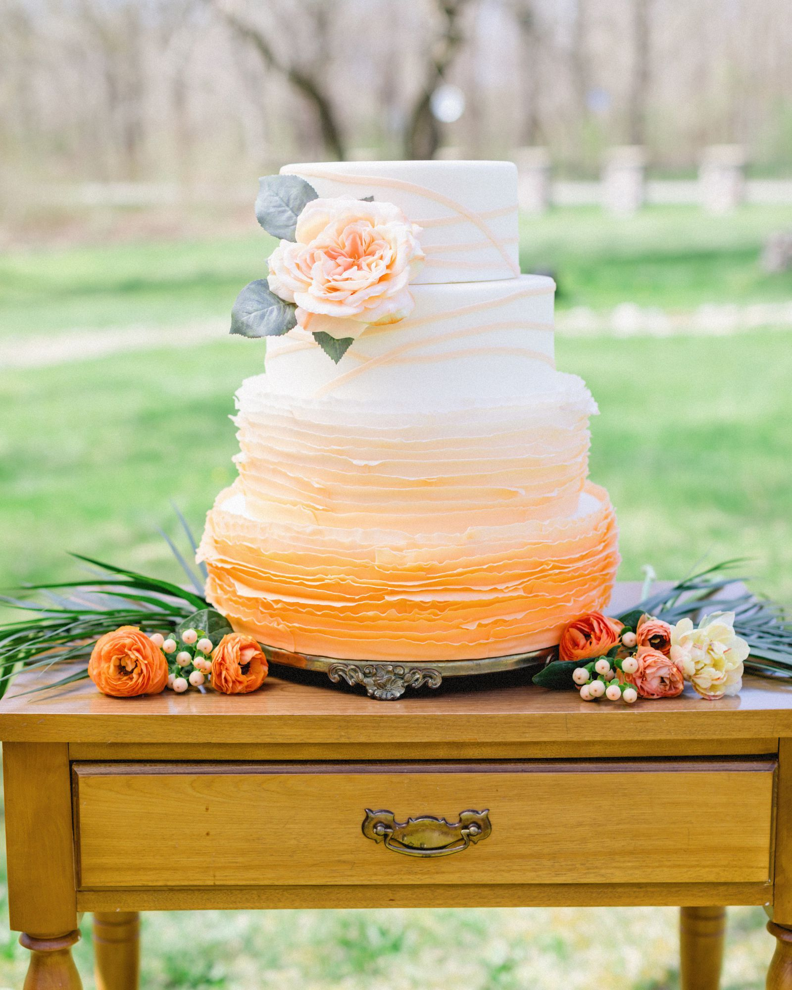 fall wedding cakes that are simply stunning weddings