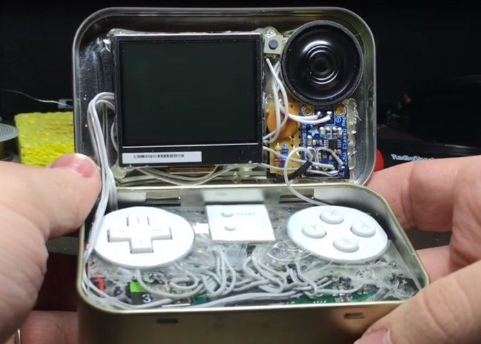 MintyPi : Tiny Raspberry Pi Zero Games Console In A Mint Tin (video)