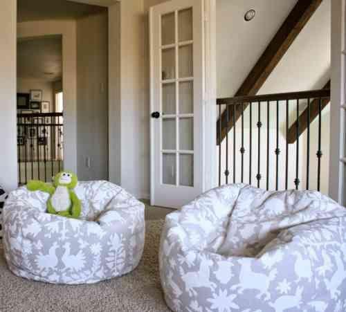 pouf enfant fabriquer un pouf poire pour la chambre. Black Bedroom Furniture Sets. Home Design Ideas