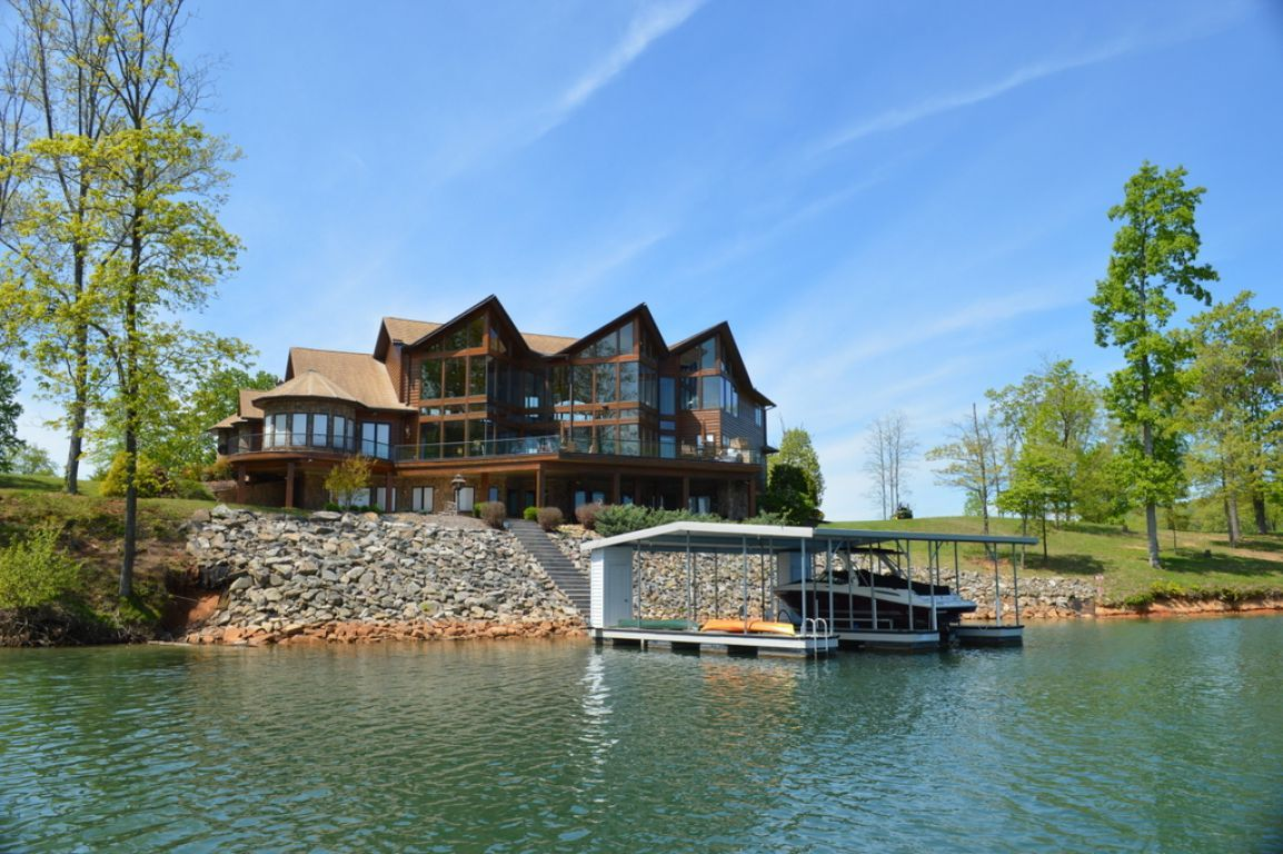 Lake View Homes Lake Houses For Rent Lake House Rental Homes Near Me