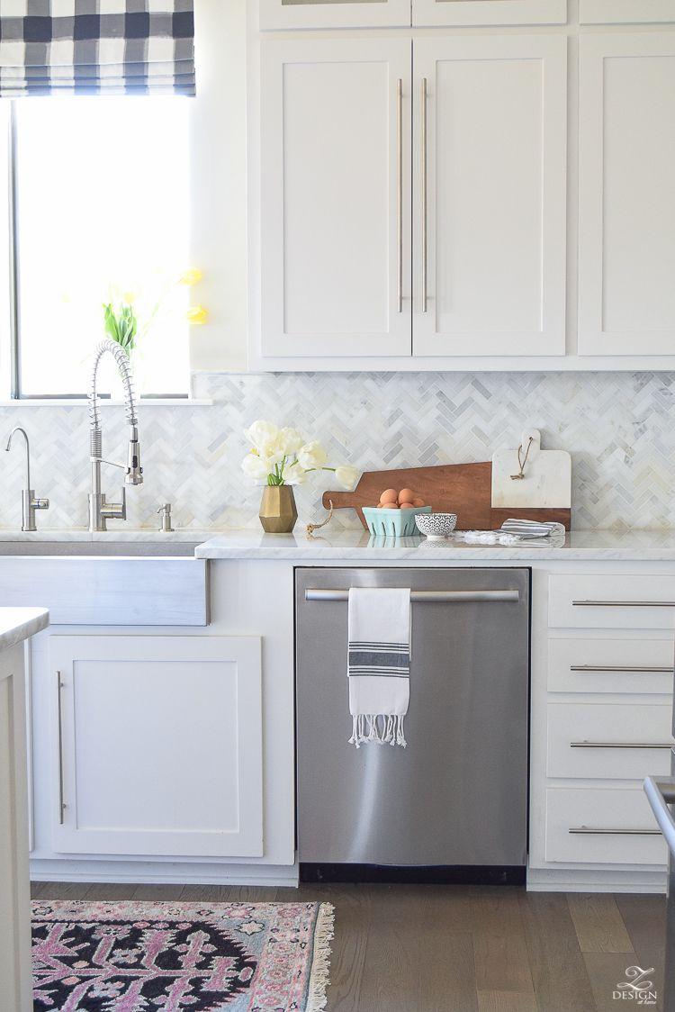 Decked Styled Spring Tour Zdesign At Home Farmhouse Kitchen Inspiration Small Farmhouse Kitchen White Modern Kitchen