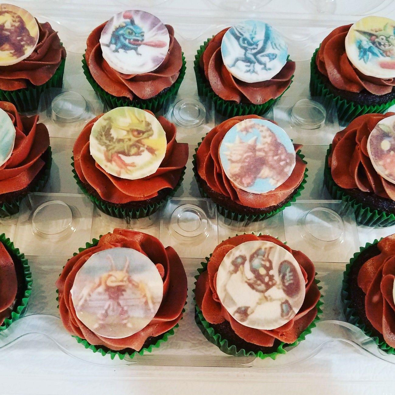 Skylander cupcakes Siscos Sweets Cakes Pinterest Sweet cakes