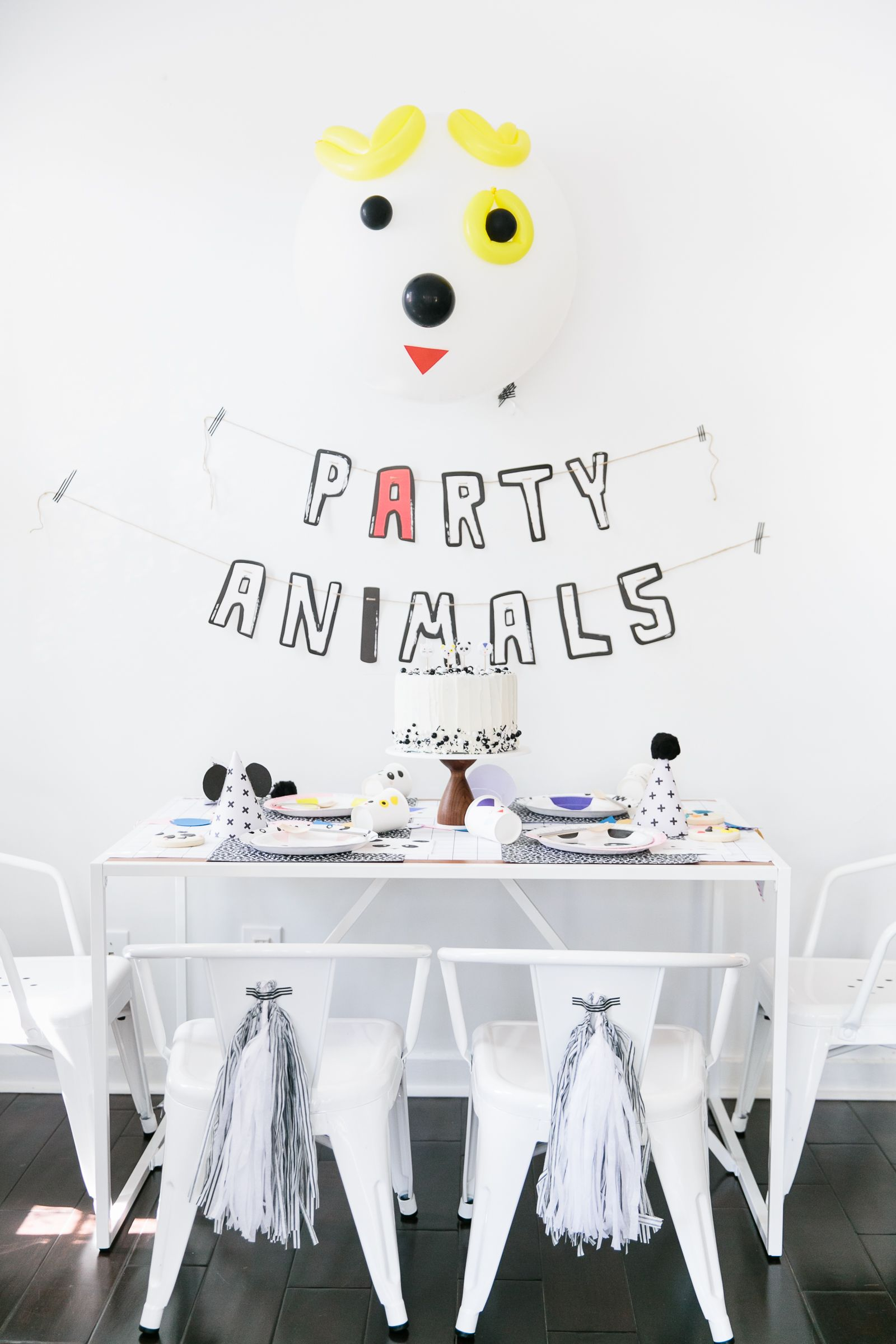 The Coolest Modern Party Animals Birthday Party on the Block -   22 modern decor party