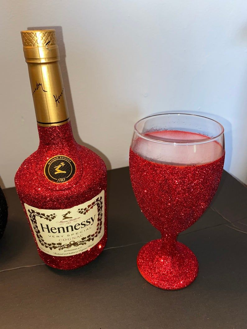Bling Liquor Empty Bottle And Glass In 2020 Decorated Liquor Bottles Alcohol Bottle Crafts Liquor Gifts