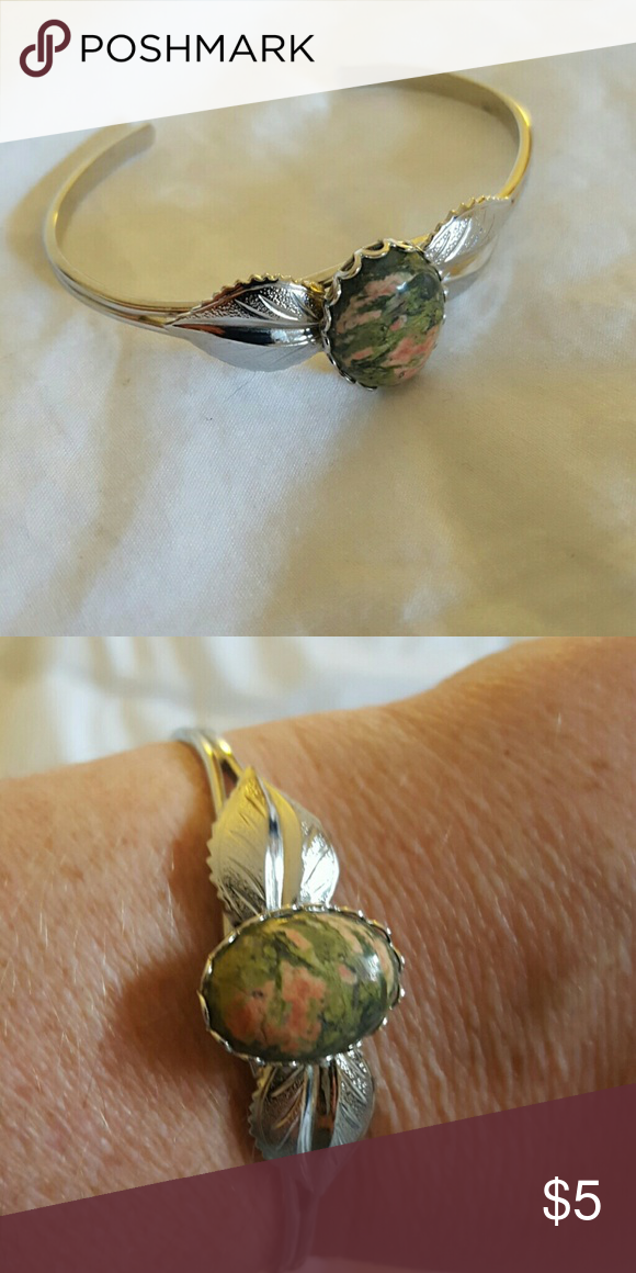 Silver-Toned Bracelet w/ Unakite Stone Very nice bracelet. Pretty stone. Jewelry Bracelets