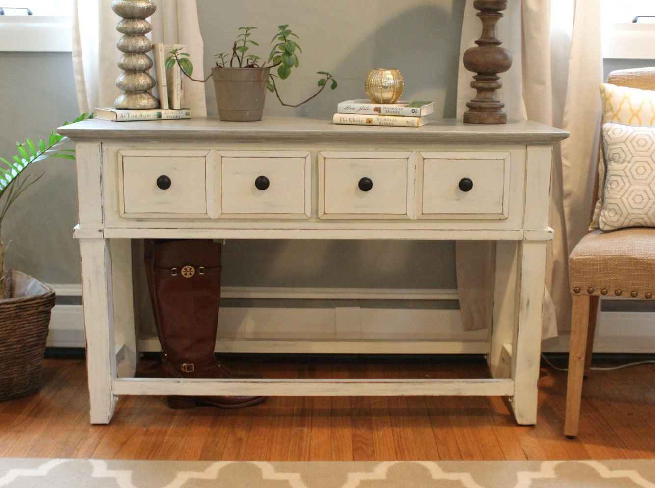 Coastal Chalk Painted Console Table Furniture Makeover Refinishing Furniture Furniture