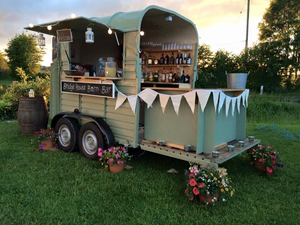 Horsebox bar google search bar trailer pinterest for Bar 96 food truck
