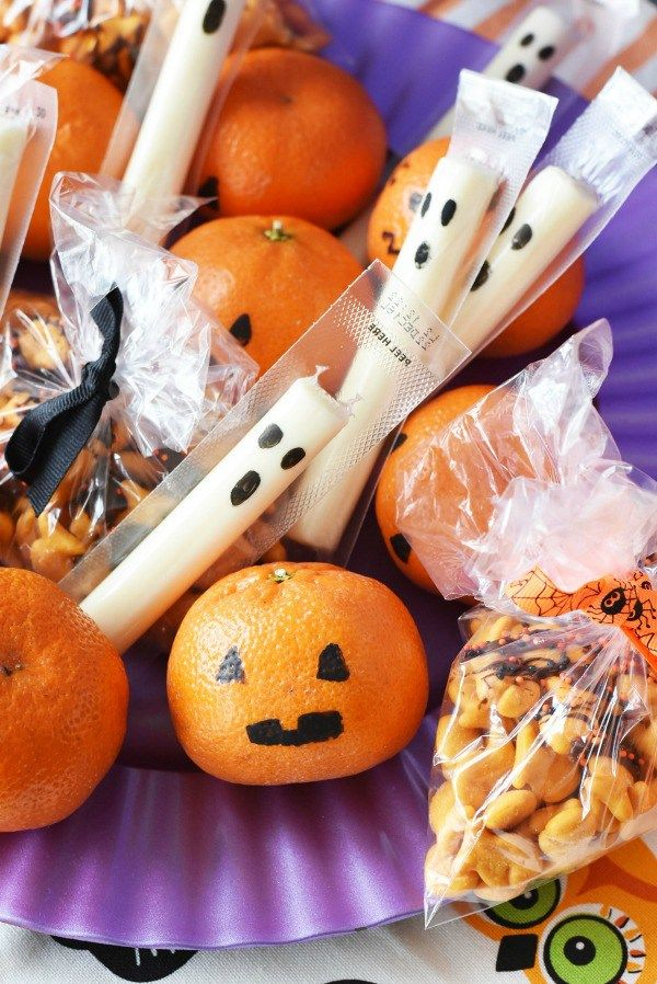 Non-Candy Halloween Lunchbox Snacks Recipe Spooky treats and - halloween class decoration ideas