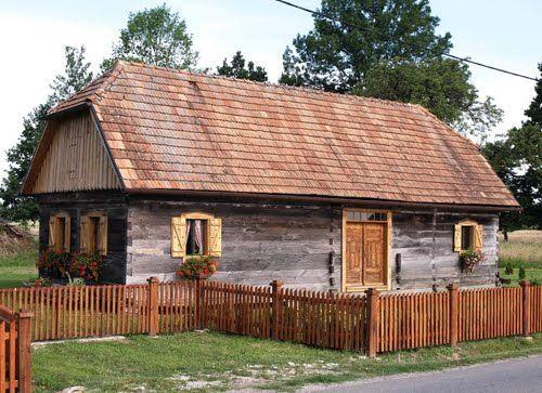 Panoramio Photos By Marin Stanisic Pisarovina Traditional Architecture Wooden House Karlovac