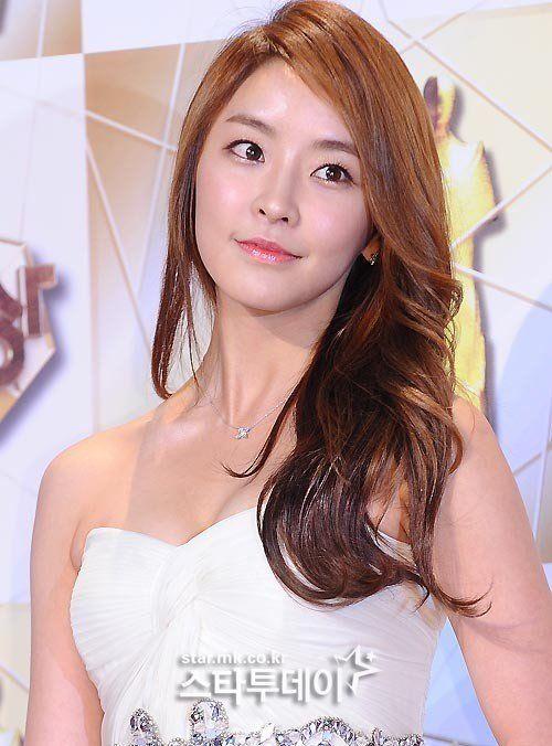 Yu-mi Jeong Nude Photos 52