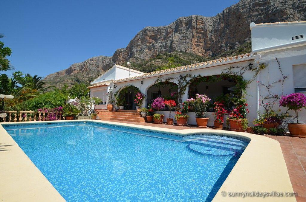 Villa Jardin de Hadas in Javea, sleeps 6, large private